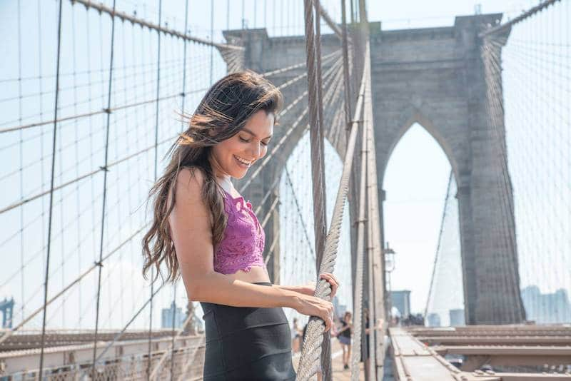 influencer on the brooklyn bridge
