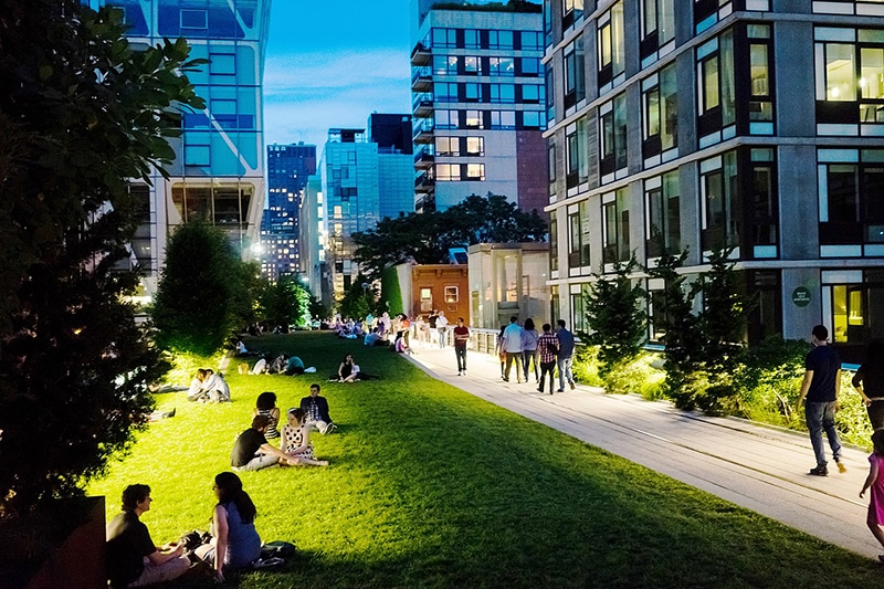Summer Date Ideas In NYC on the High Line